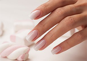 Моделирование ногтей гель